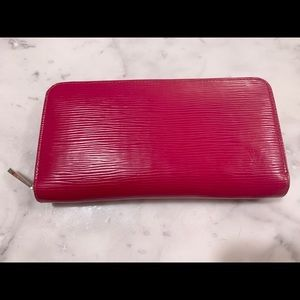 Louis Vuitton Cherry Berry Epi Zippy Wallet